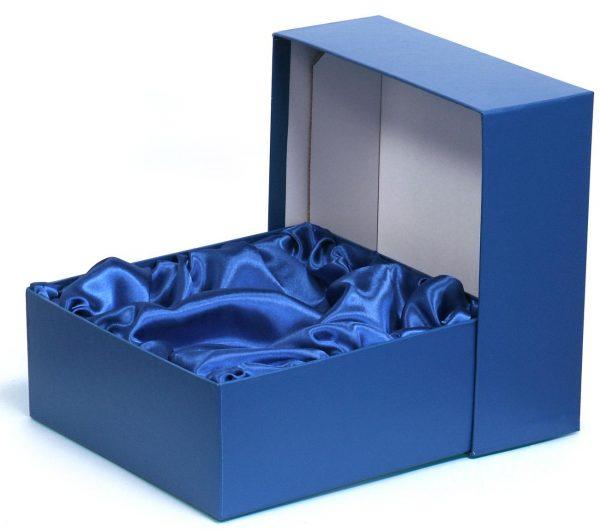 satin-lined-box-emanspackaging-com-emans-packaging