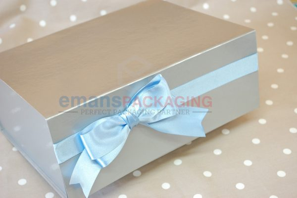 Satin Lined Attached Lid Packaging Boxes
